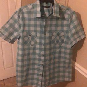 Axist green/gray short sleeve button shirt Size L